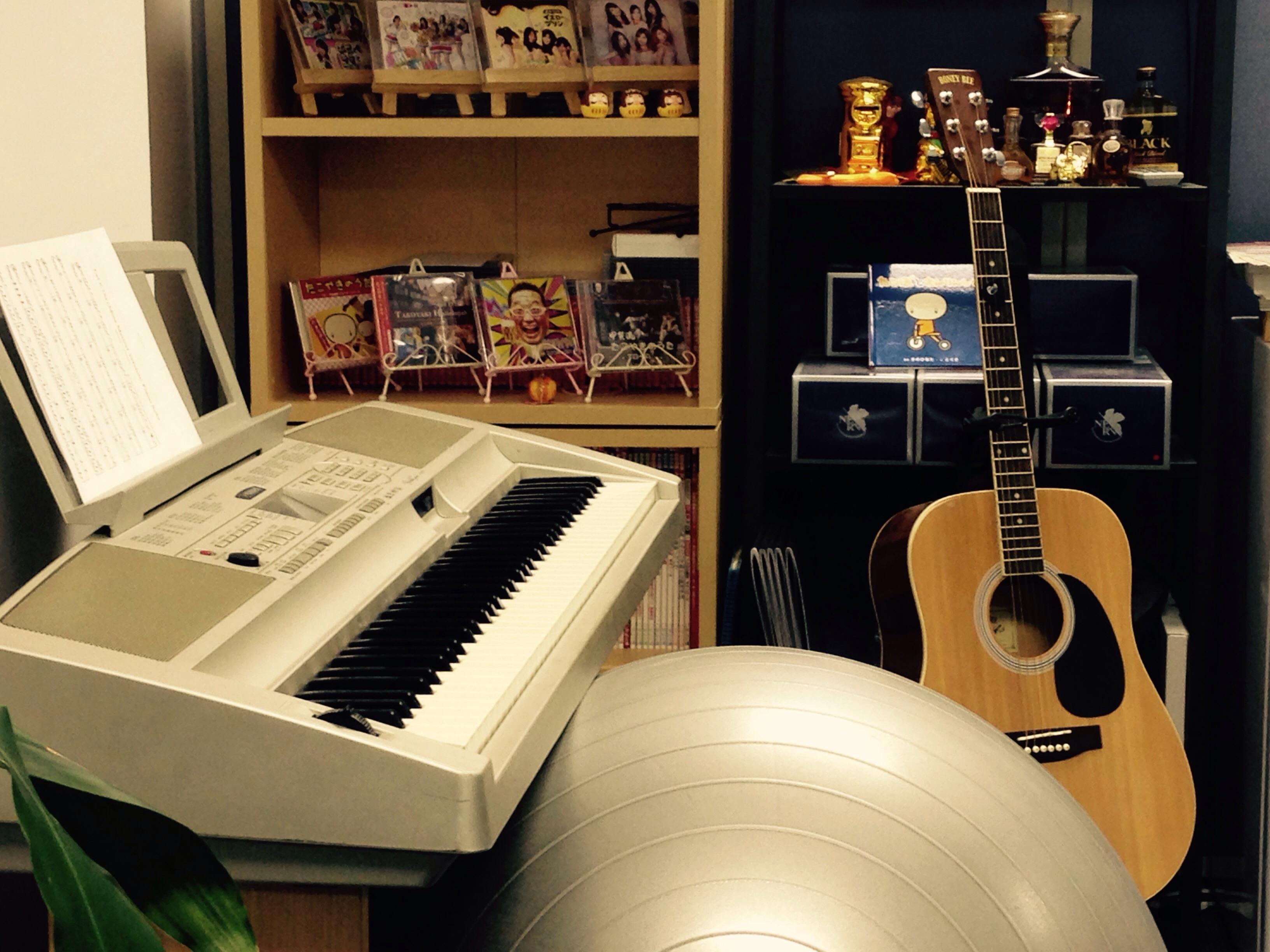 ギターがある事務所