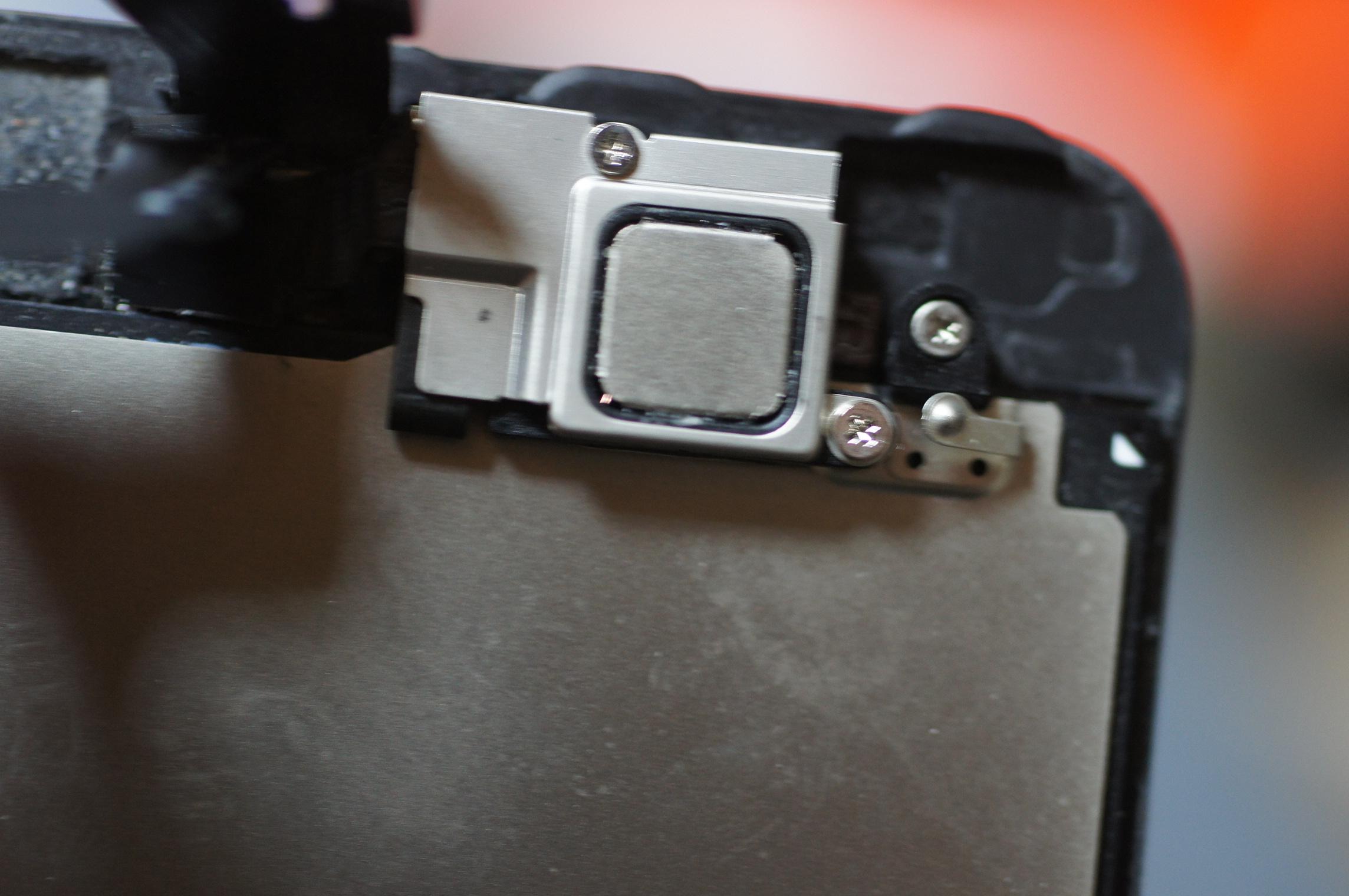 iPhone5 インカメラのホコリ取り